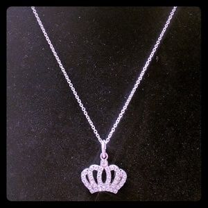 Jewelry - 🛍️2 for $15🛍️ Crown Pendant Necklace
